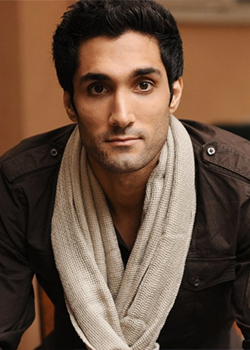 Dominic Rains as Ghreni Nohamapetan